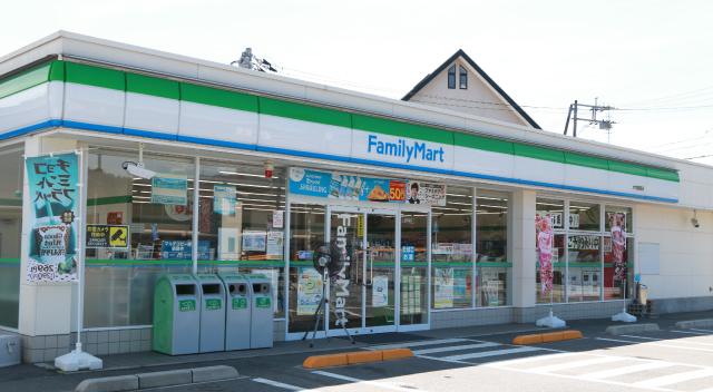 ファミリーマート 大内御堀店